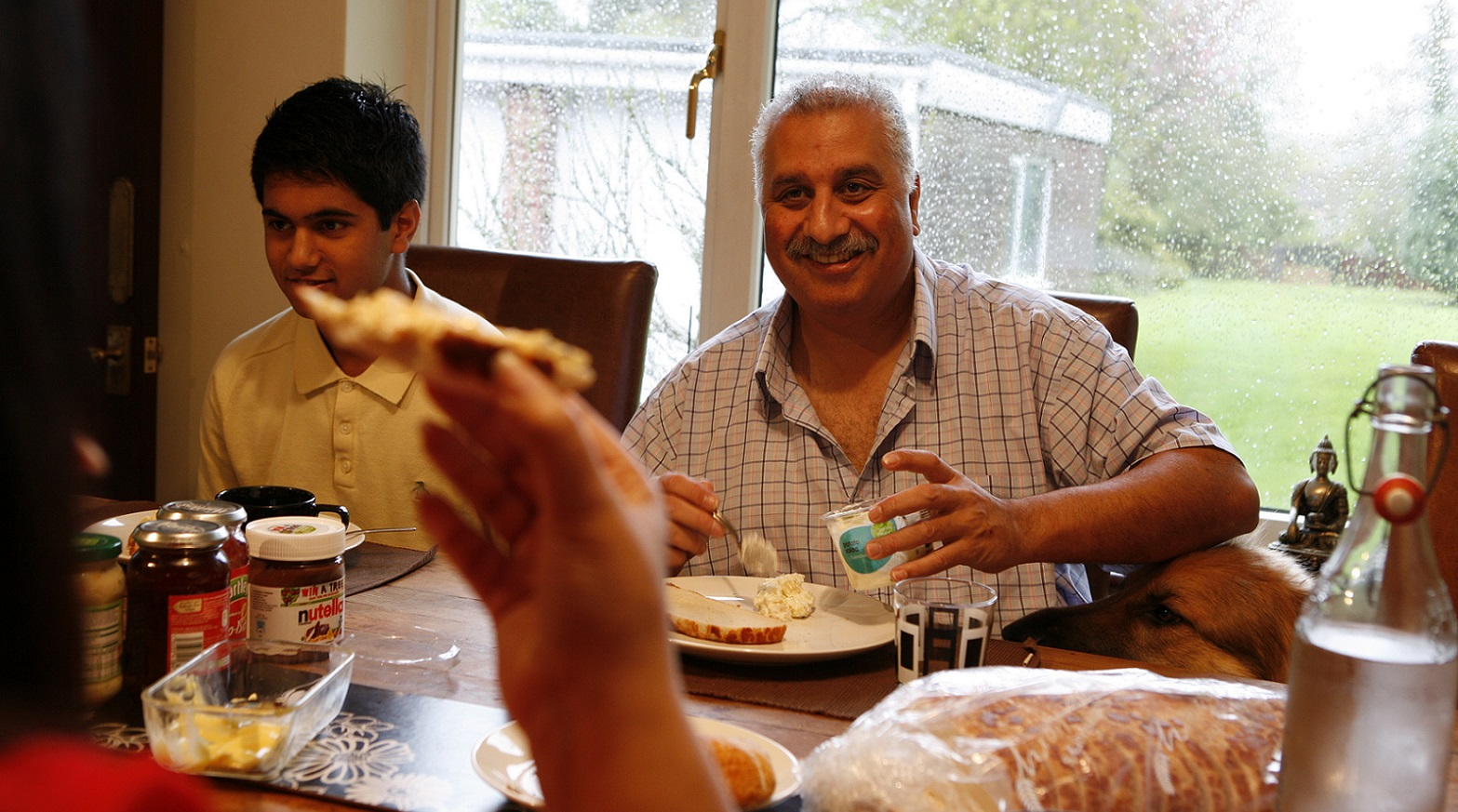 Kidney cancer patient Nilesh at dinner