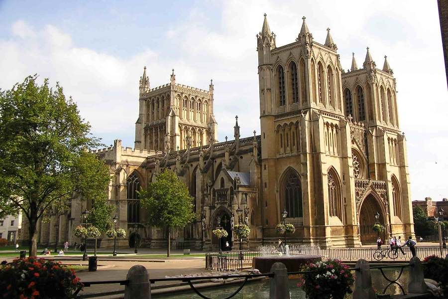 Image of Bristol Cathedral in the daytime
