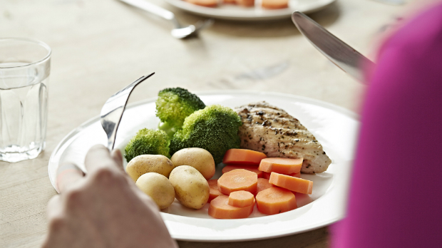 Healthier diets could prevent around 1 in 20 cancers.