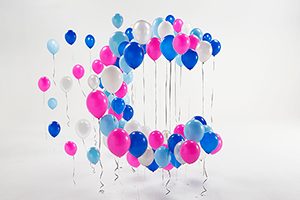 Image of balloons in the shape of a letter C