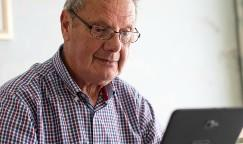 Mike using online free Will service