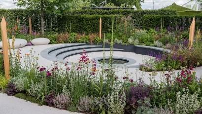 Pledge Pathway to Progress show garden