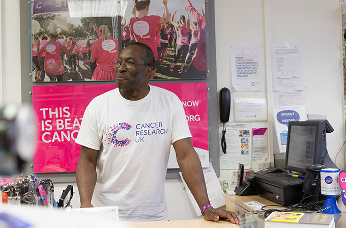Volunteer in our shops | Cancer Research UK