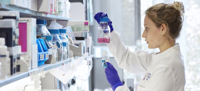 Cancer Research UK researcher in the lab
