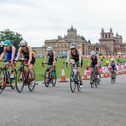 blenheim palace cyclists